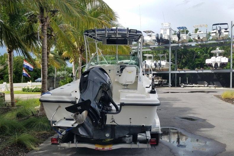 Image 2 for 2006 Boston Whaler 205 Conquest in Islamorada, FL