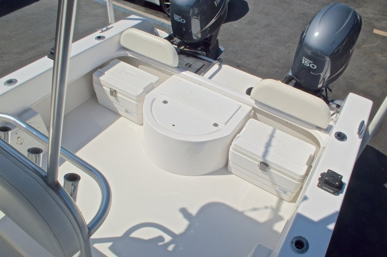 Image 15 for 2005 Twin Vee 26 CC Center Console in West Palm Beach, FL