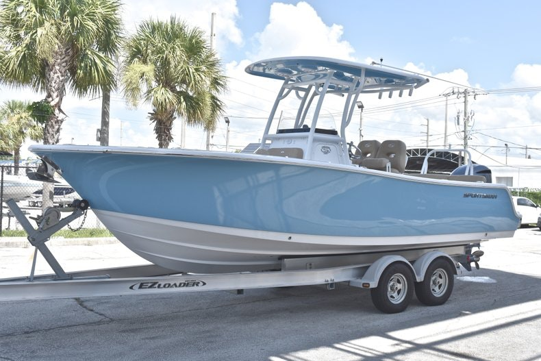 Thumbnail 4 for New 2019 Sportsman Heritage 241 Center Console boat for sale in West Palm Beach, FL