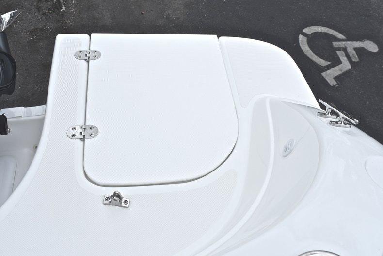 Thumbnail 14 for New 2019 Hurricane SD 217 OB boat for sale in Fort Lauderdale, FL
