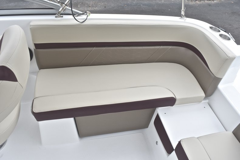 Thumbnail 16 for New 2019 Hurricane SD 217 OB boat for sale in Fort Lauderdale, FL