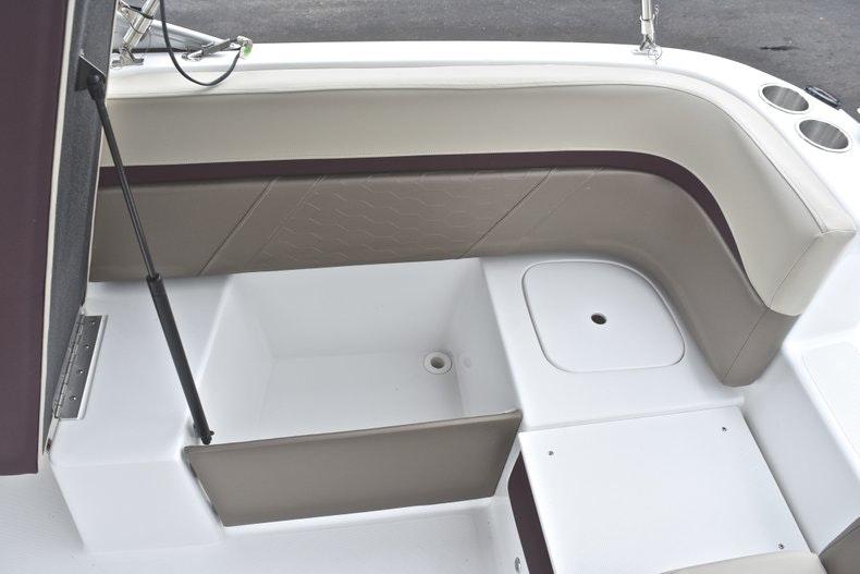 Thumbnail 17 for New 2019 Hurricane SD 217 OB boat for sale in Fort Lauderdale, FL
