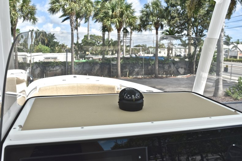 Thumbnail 35 for New 2019 Sportsman Heritage 241 Center Console boat for sale in Miami, FL