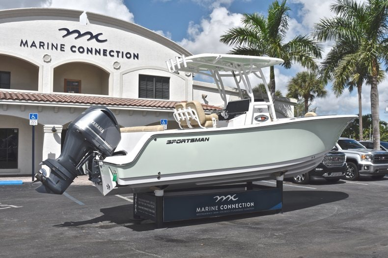 Thumbnail 8 for New 2019 Sportsman Heritage 241 Center Console boat for sale in Miami, FL