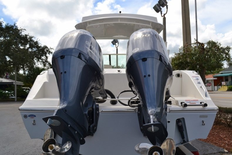 Thumbnail 4 for New 2019 Cobia 280 DC boat for sale in West Palm Beach, FL