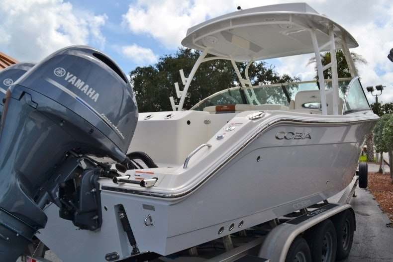 Thumbnail 5 for New 2019 Cobia 280 DC boat for sale in West Palm Beach, FL