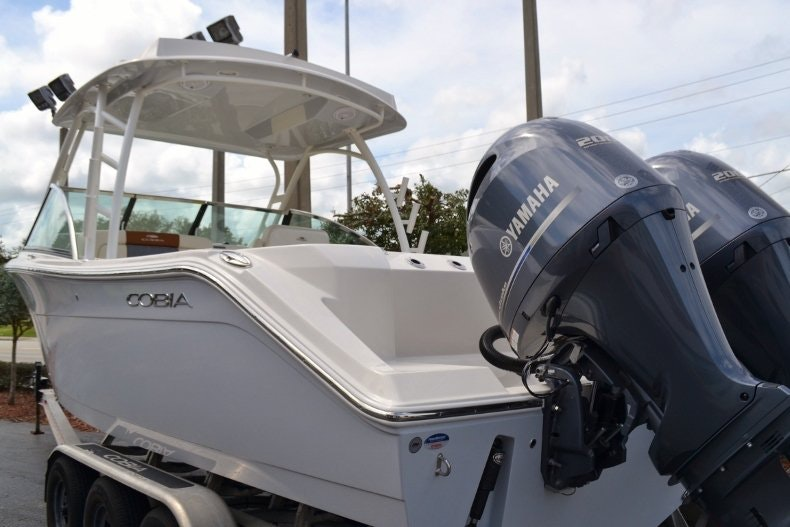Thumbnail 3 for New 2019 Cobia 280 DC boat for sale in West Palm Beach, FL
