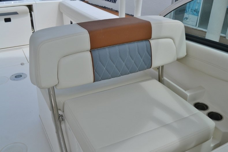 Thumbnail 14 for New 2019 Cobia 280 DC boat for sale in West Palm Beach, FL