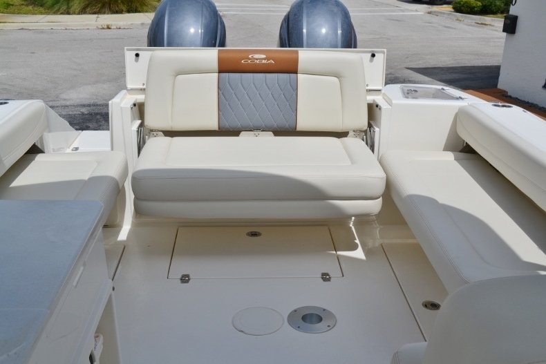 Thumbnail 17 for New 2019 Cobia 280 DC boat for sale in West Palm Beach, FL