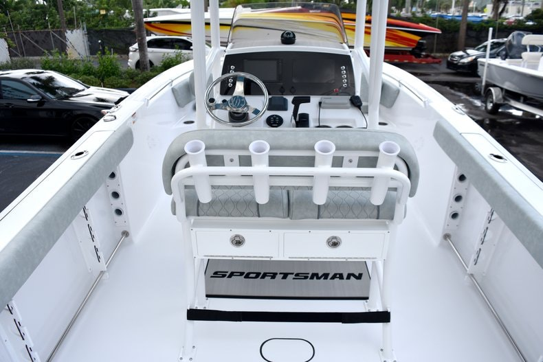 Thumbnail 18 for New 2019 Sportsman Open 232 Center Console boat for sale in West Palm Beach, FL