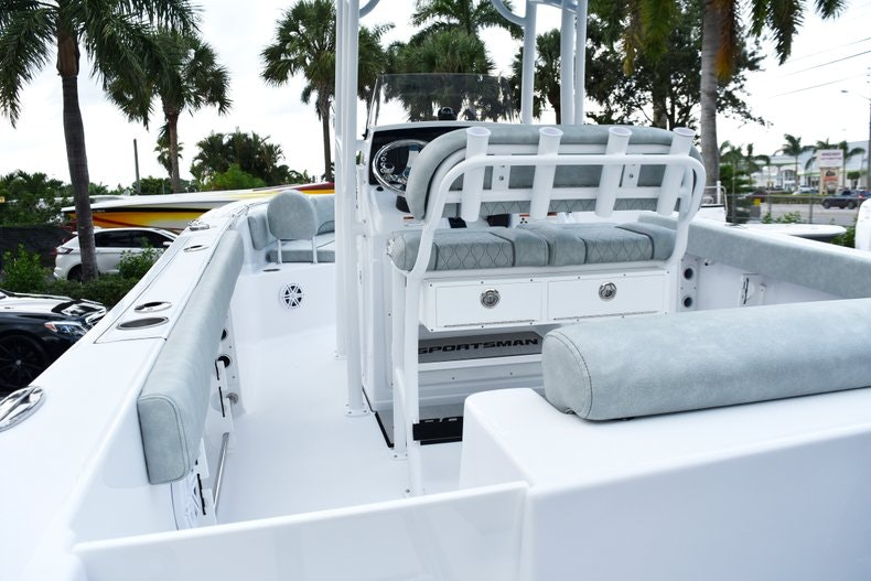 Thumbnail 17 for New 2019 Sportsman Open 232 Center Console boat for sale in West Palm Beach, FL