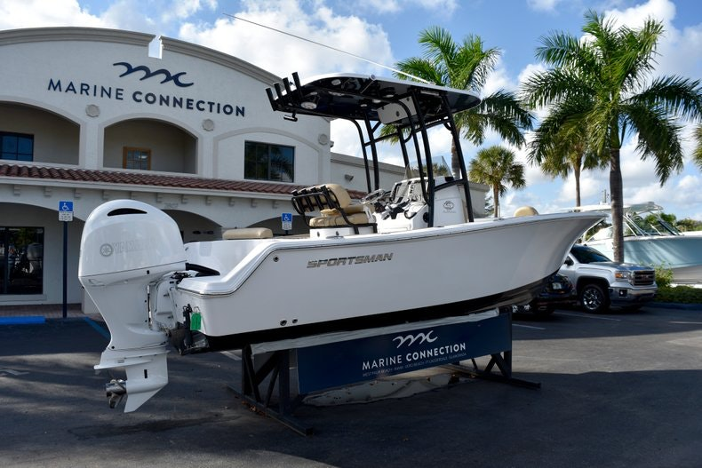 Thumbnail 7 for New 2019 Sportsman Open 212 Center Console boat for sale in Miami, FL
