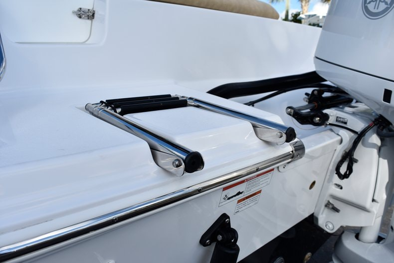 Thumbnail 10 for New 2019 Sportsman Open 212 Center Console boat for sale in Miami, FL
