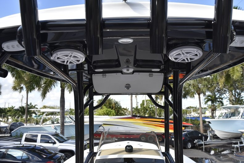 Thumbnail 24 for New 2019 Sportsman Open 212 Center Console boat for sale in Miami, FL
