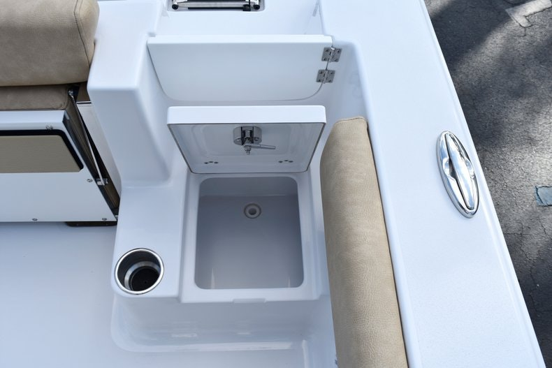 Thumbnail 16 for New 2019 Sportsman Open 212 Center Console boat for sale in Miami, FL