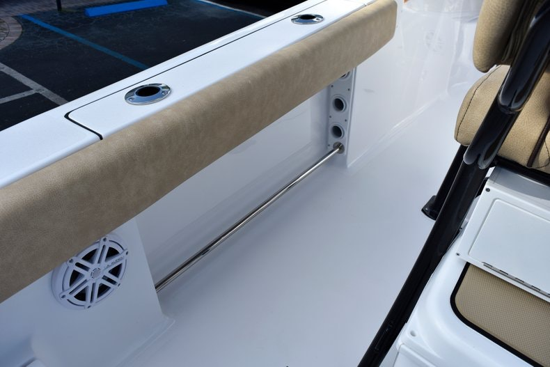 Thumbnail 19 for New 2019 Sportsman Open 212 Center Console boat for sale in Miami, FL