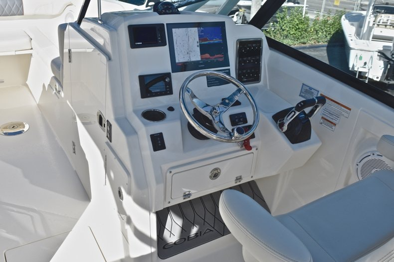 Thumbnail 41 for New 2019 Cobia 280 DC Dual Console boat for sale in West Palm Beach, FL