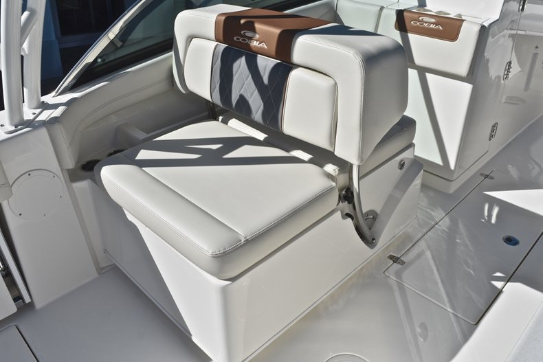 Thumbnail 25 for New 2019 Cobia 280 DC Dual Console boat for sale in West Palm Beach, FL