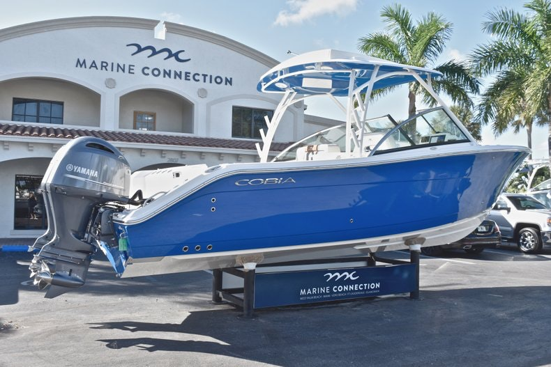 Thumbnail 8 for New 2019 Cobia 280 DC Dual Console boat for sale in West Palm Beach, FL