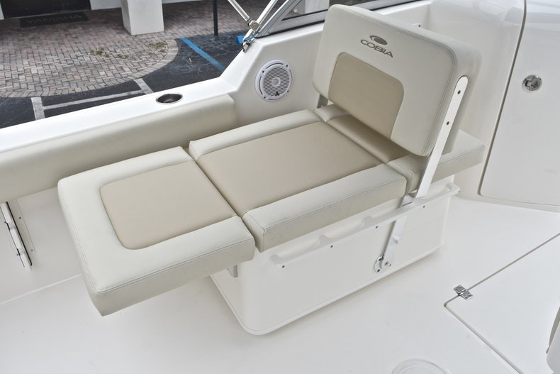 Thumbnail 19 for New 2019 Cobia 220 Dual Console boat for sale in Miami, FL