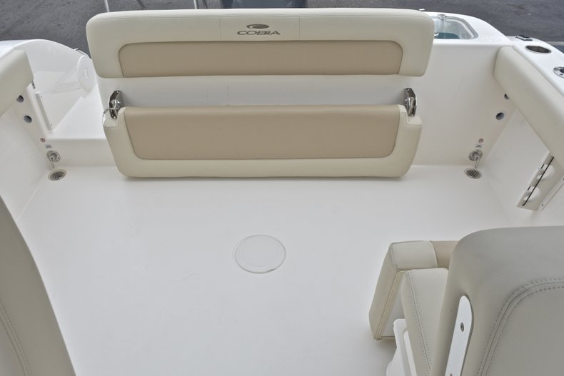 Thumbnail 9 for New 2019 Cobia 220 Dual Console boat for sale in Miami, FL