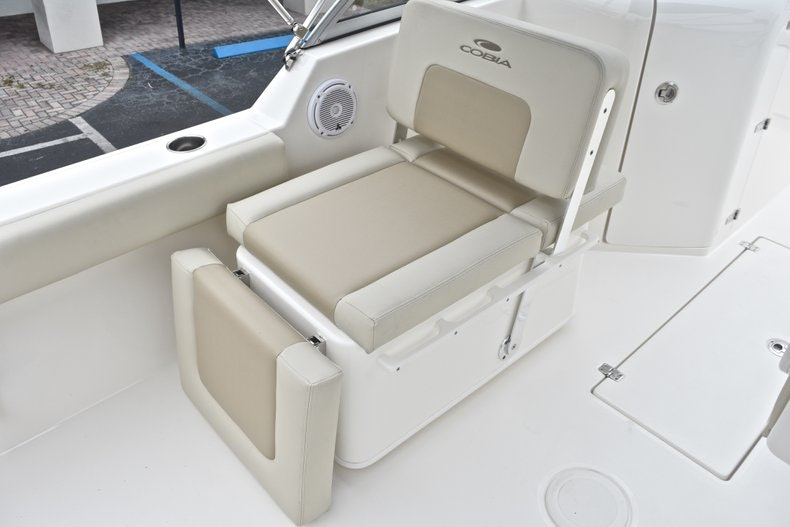 Thumbnail 18 for New 2019 Cobia 220 Dual Console boat for sale in Miami, FL