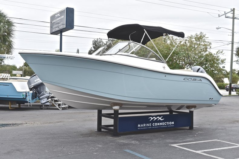 Thumbnail 3 for New 2019 Cobia 220 Dual Console boat for sale in Miami, FL