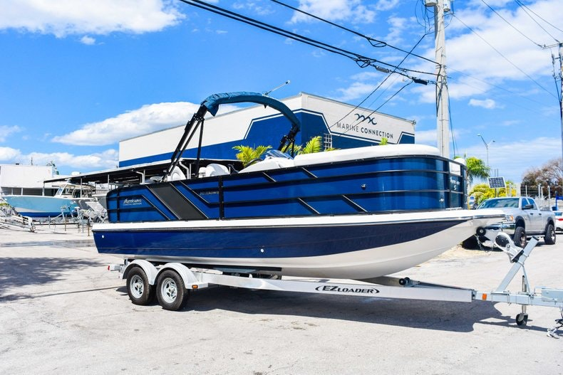 New 2019 Hurricane FunDeck FD 236 Wet Bar OB boat for sale in Miami, FL