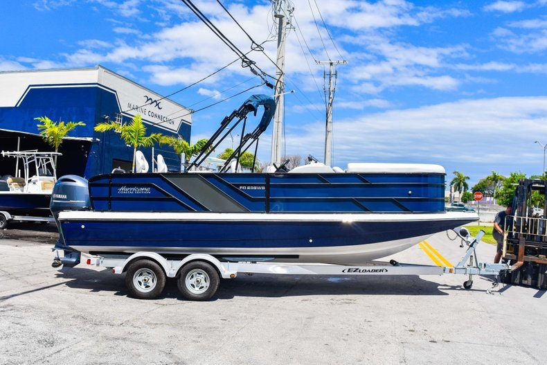Thumbnail 8 for New 2019 Hurricane FunDeck FD 236 Wet Bar OB boat for sale in Miami, FL