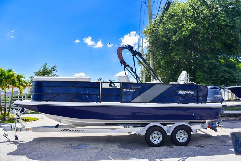 Thumbnail 4 for New 2019 Hurricane FunDeck FD 236 Wet Bar OB boat for sale in Miami, FL