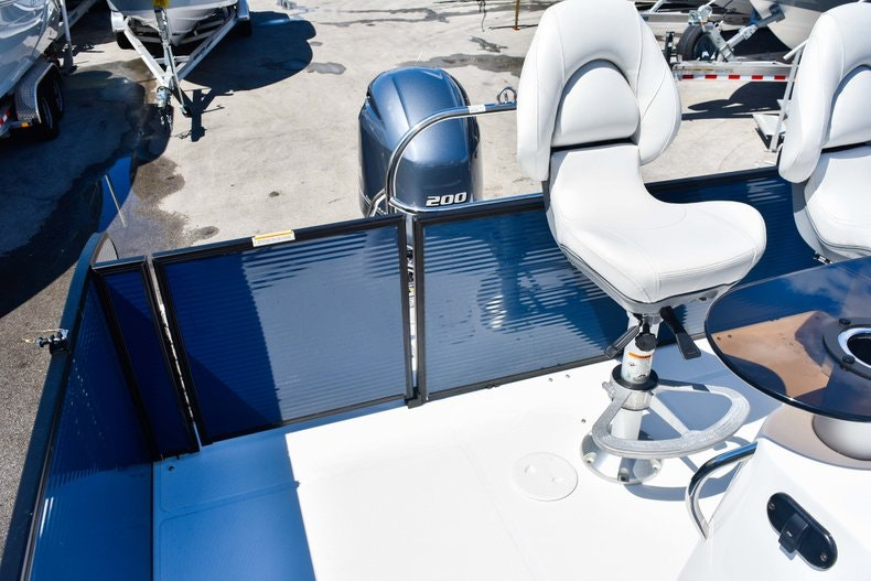 Thumbnail 10 for New 2019 Hurricane FunDeck FD 236 Wet Bar OB boat for sale in Miami, FL