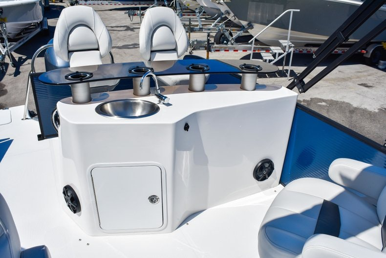 Thumbnail 14 for New 2019 Hurricane FunDeck FD 236 Wet Bar OB boat for sale in Miami, FL