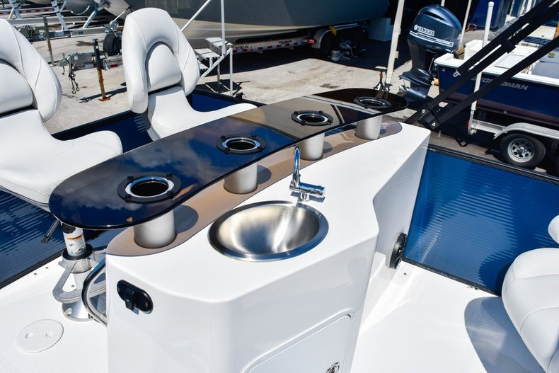 Thumbnail 13 for New 2019 Hurricane FunDeck FD 236 Wet Bar OB boat for sale in Miami, FL