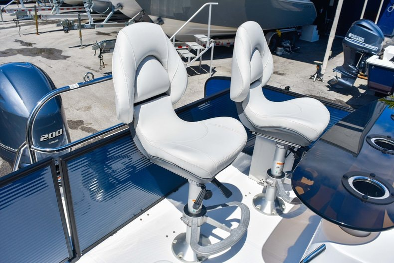 Thumbnail 11 for New 2019 Hurricane FunDeck FD 236 Wet Bar OB boat for sale in Miami, FL