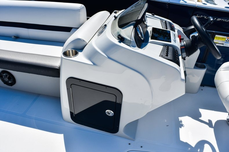 Thumbnail 33 for New 2019 Hurricane FunDeck FD 236 Wet Bar OB boat for sale in Miami, FL