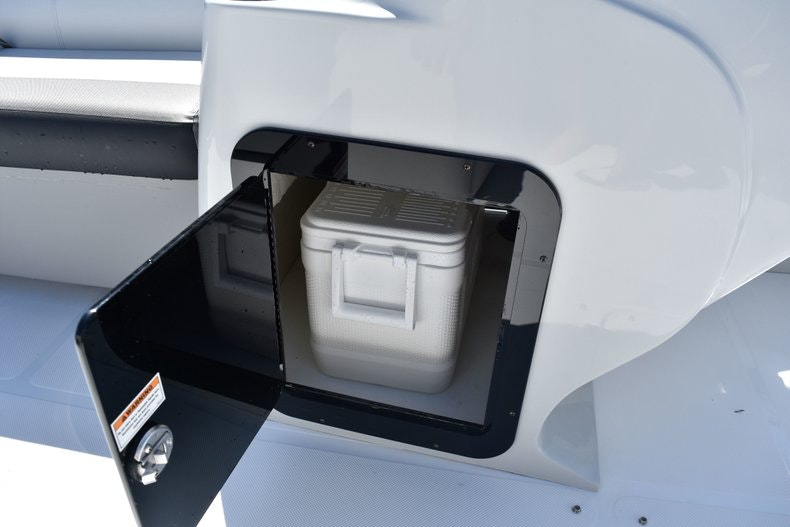 Thumbnail 34 for New 2019 Hurricane FunDeck FD 236 Wet Bar OB boat for sale in Miami, FL