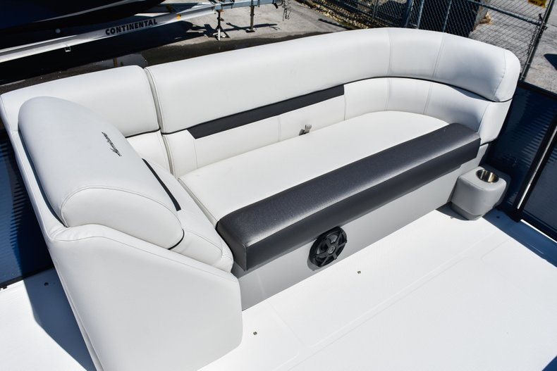 Thumbnail 36 for New 2019 Hurricane FunDeck FD 236 Wet Bar OB boat for sale in Miami, FL