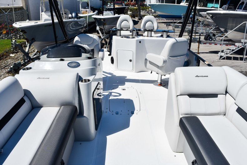 Thumbnail 44 for New 2019 Hurricane FunDeck FD 236 Wet Bar OB boat for sale in Miami, FL