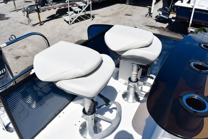 Thumbnail 48 for New 2019 Hurricane FunDeck FD 236 Wet Bar OB boat for sale in Miami, FL