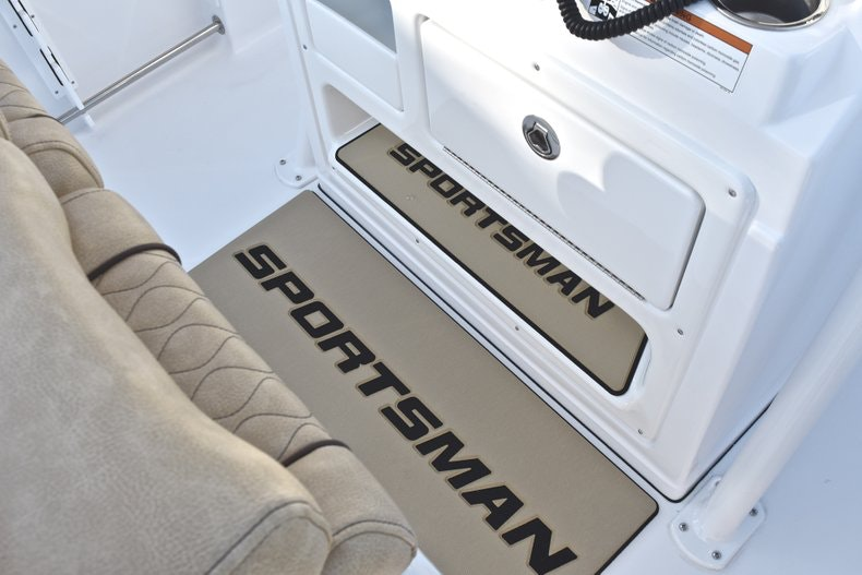 Thumbnail 43 for New 2019 Sportsman Open 232 Center Console boat for sale in Fort Lauderdale, FL