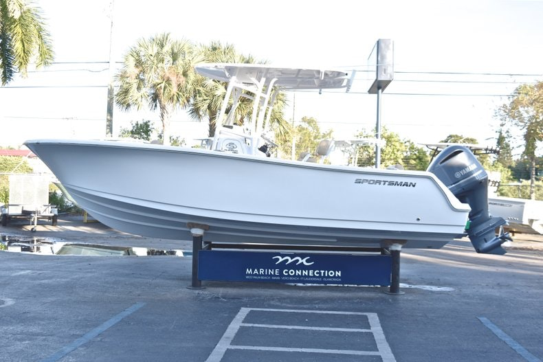Thumbnail 4 for New 2019 Sportsman Open 232 Center Console boat for sale in Fort Lauderdale, FL