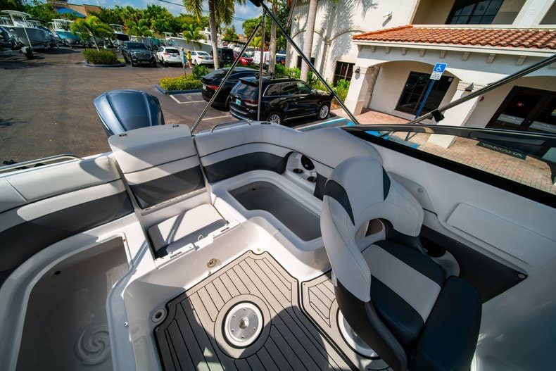 Thumbnail 14 for New 2019 Hurricane SunDeck SD 2486 OB boat for sale in Vero Beach, FL