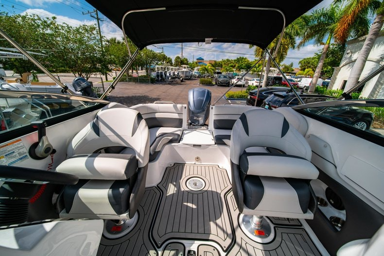 Thumbnail 21 for New 2019 Hurricane SunDeck SD 2486 OB boat for sale in Vero Beach, FL