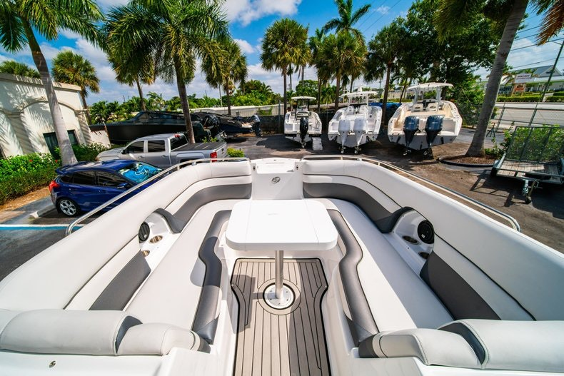 Thumbnail 30 for New 2019 Hurricane SunDeck SD 2486 OB boat for sale in Vero Beach, FL