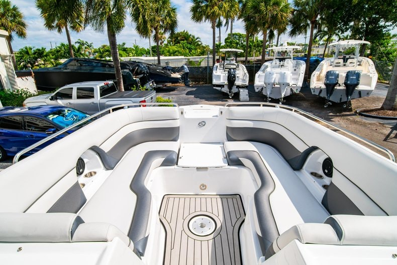 Thumbnail 31 for New 2019 Hurricane SunDeck SD 2486 OB boat for sale in Vero Beach, FL