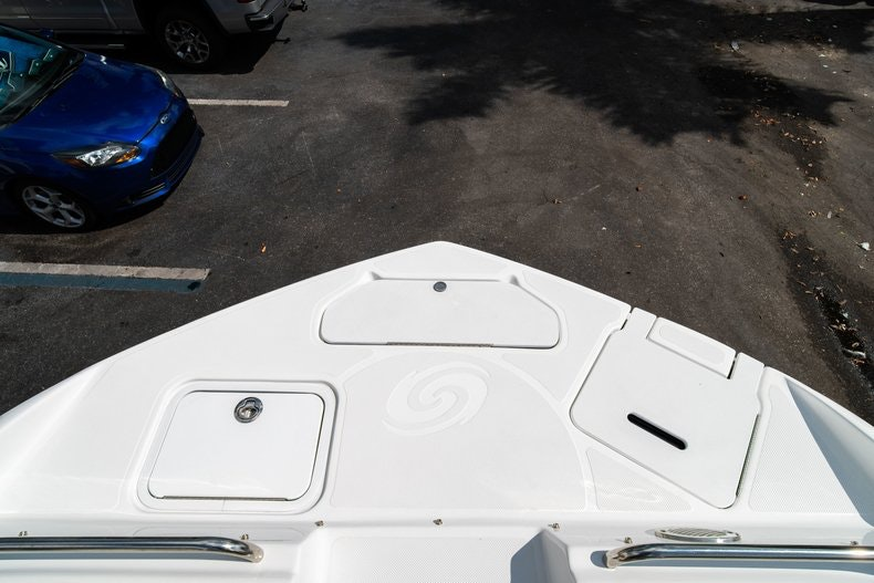 Thumbnail 34 for New 2019 Hurricane SunDeck SD 2486 OB boat for sale in Vero Beach, FL