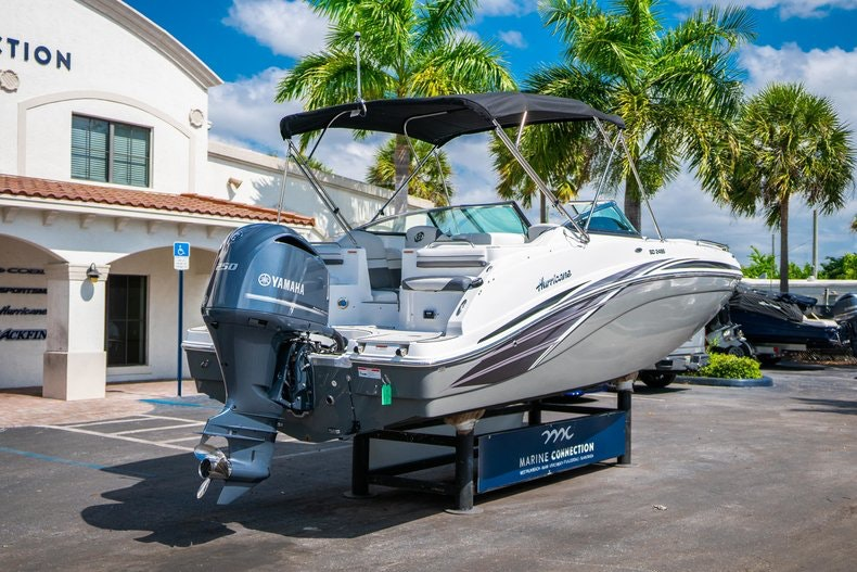 Thumbnail 7 for New 2019 Hurricane SunDeck SD 2486 OB boat for sale in Vero Beach, FL