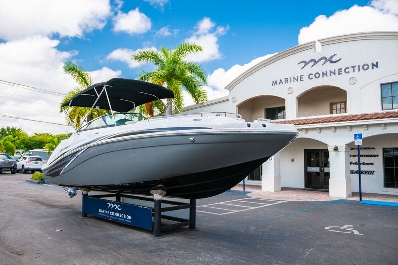 Thumbnail 1 for New 2019 Hurricane SunDeck SD 2486 OB boat for sale in Vero Beach, FL