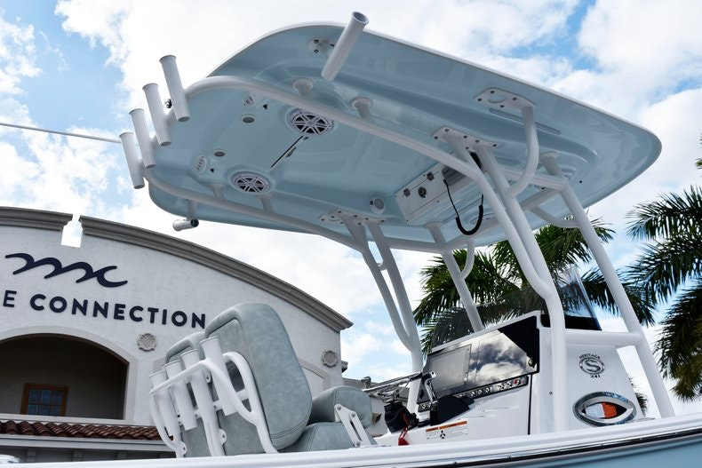 Thumbnail 8 for New 2019 Sportsman Heritage 241 Center Console boat for sale in West Palm Beach, FL