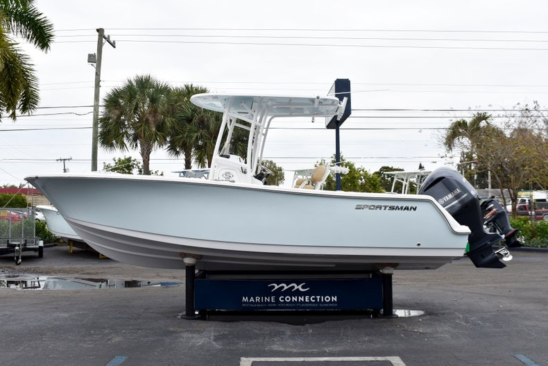 Thumbnail 4 for New 2019 Sportsman Open 232 Center Console boat for sale in Vero Beach, FL